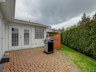 Photo 17: 63 Salmon Crt in VICTORIA: VR Glentana Manufactured Home for sale (View Royal)  : MLS®# 783796