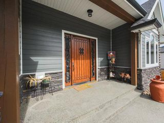 Photo 3: 1647 GALORE COURT in KAMLOOPS: JUNIPER HEIGHTS House for sale : MLS®# 145228