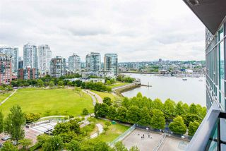 """Photo 3: 1601 1483 HOMER Street in Vancouver: Yaletown Condo for sale in """"WATERFORD"""" (Vancouver West)  : MLS®# R2280421"""