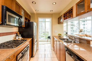 """Photo 7: 1601 1483 HOMER Street in Vancouver: Yaletown Condo for sale in """"WATERFORD"""" (Vancouver West)  : MLS®# R2280421"""