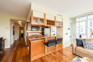 """Photo 6: 1601 1483 HOMER Street in Vancouver: Yaletown Condo for sale in """"WATERFORD"""" (Vancouver West)  : MLS®# R2280421"""