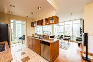 """Photo 8: 1601 1483 HOMER Street in Vancouver: Yaletown Condo for sale in """"WATERFORD"""" (Vancouver West)  : MLS®# R2280421"""