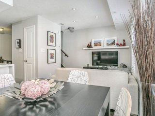 Photo 8: 6 23 Frances Loring Lane in Toronto: South Riverdale Condo for sale (Toronto E01)  : MLS®# E4173806