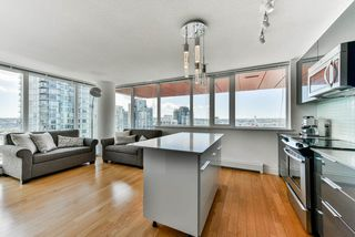 "Photo 4: 2306 1325 ROLSTON Street in Vancouver: Downtown VW Condo for sale in ""THE ROLSTON"" (Vancouver West)  : MLS®# R2284735"