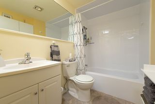 "Photo 15: 305 8770 LAUREL Street in Vancouver: Marpole Condo for sale in ""Villa Marine"" (Vancouver West)  : MLS®# R2319641"
