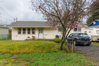 Photo 2: 2716 Strathmore Rd in VICTORIA: La Langford Proper House for sale (Langford)  : MLS®# 802213