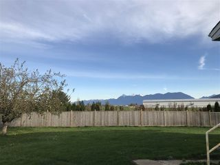 Photo 5: 41751 Sinclair Road in Chilliwack: House for sale (Sardis)  : MLS®# R2331632