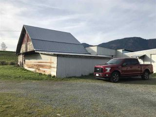 Photo 4: 41751 Sinclair Road in Chilliwack: House for sale (Sardis)  : MLS®# R2331632