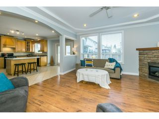 """Photo 7: 6315 166 Street in Surrey: Cloverdale BC House for sale in """"Clover Ridge"""" (Cloverdale)  : MLS®# R2332477"""
