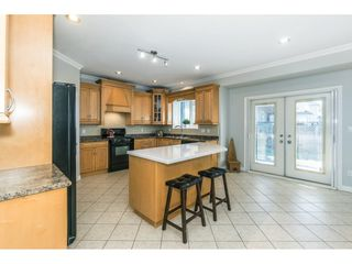 """Photo 5: 6315 166 Street in Surrey: Cloverdale BC House for sale in """"Clover Ridge"""" (Cloverdale)  : MLS®# R2332477"""