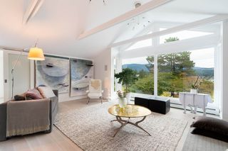 "Photo 10: 951 BEACHVIEW Drive in North Vancouver: Dollarton House for sale in ""Dollarton"" : MLS®# R2339024"