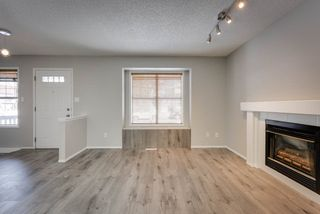 Photo 3: 2071 TANNER Wynd in Edmonton: Zone 14 House for sale : MLS®# E4147327