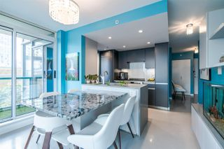 "Photo 9: 306 1067 MARINASIDE Crescent in Vancouver: Yaletown Condo for sale in ""QUAY WEST"" (Vancouver West)  : MLS®# R2353564"
