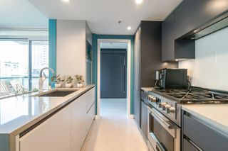 "Photo 6: 306 1067 MARINASIDE Crescent in Vancouver: Yaletown Condo for sale in ""QUAY WEST"" (Vancouver West)  : MLS®# R2353564"
