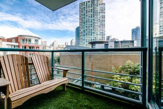 "Photo 14: 306 1067 MARINASIDE Crescent in Vancouver: Yaletown Condo for sale in ""QUAY WEST"" (Vancouver West)  : MLS®# R2353564"