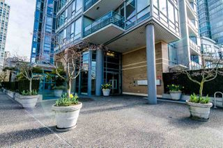 "Photo 18: 306 1067 MARINASIDE Crescent in Vancouver: Yaletown Condo for sale in ""QUAY WEST"" (Vancouver West)  : MLS®# R2353564"