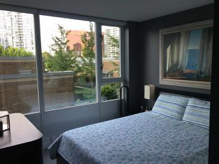 "Photo 15: 306 1067 MARINASIDE Crescent in Vancouver: Yaletown Condo for sale in ""QUAY WEST"" (Vancouver West)  : MLS®# R2353564"