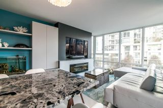 "Photo 5: 306 1067 MARINASIDE Crescent in Vancouver: Yaletown Condo for sale in ""QUAY WEST"" (Vancouver West)  : MLS®# R2353564"