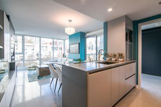 "Photo 8: 306 1067 MARINASIDE Crescent in Vancouver: Yaletown Condo for sale in ""QUAY WEST"" (Vancouver West)  : MLS®# R2353564"