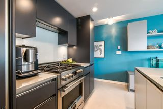 "Photo 4: 306 1067 MARINASIDE Crescent in Vancouver: Yaletown Condo for sale in ""QUAY WEST"" (Vancouver West)  : MLS®# R2353564"
