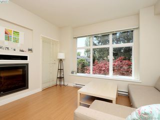 Photo 5: 205 4030 Borden St in VICTORIA: SE Lake Hill Condo for sale (Saanich East)  : MLS®# 812931