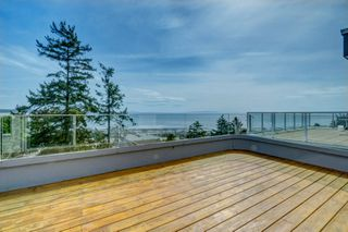 "Photo 22: 14837 PROSPECT Avenue: White Rock House for sale in ""WHITE ROCK"" (South Surrey White Rock)  : MLS®# R2365629"