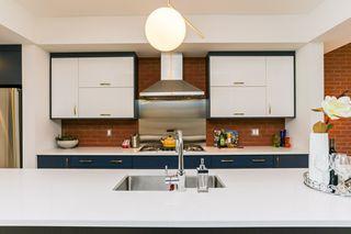 Photo 8: 10504 85 Avenue in Edmonton: Zone 15 House Half Duplex for sale : MLS®# E4160468