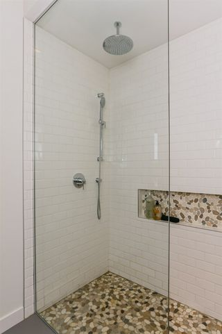 Photo 16: 10504 85 Avenue in Edmonton: Zone 15 House Half Duplex for sale : MLS®# E4160468