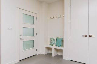 Photo 3: 10504 85 Avenue in Edmonton: Zone 15 House Half Duplex for sale : MLS®# E4160468