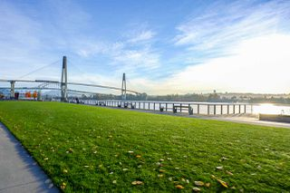 """Photo 20: 2307 908 QUAYSIDE Drive in New Westminster: Quay Condo for sale in """"RiverSky I"""" : MLS®# R2385778"""