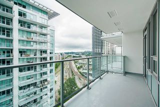 """Photo 14: 2307 908 QUAYSIDE Drive in New Westminster: Quay Condo for sale in """"RiverSky I"""" : MLS®# R2385778"""