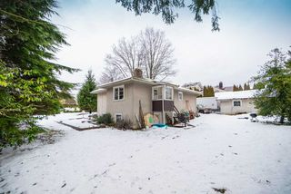 Photo 2: 3184 BAINBRIDGE Avenue in Burnaby: Government Road House for sale (Burnaby North)  : MLS®# R2428857