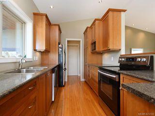 Photo 9: 1585 Zanita Heights in VICTORIA: Me Neild Single Family Detached for sale (Metchosin)  : MLS®# 423193