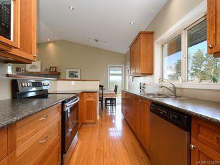 Photo 8: 1585 Zanita Heights in VICTORIA: Me Neild Single Family Detached for sale (Metchosin)  : MLS®# 423193