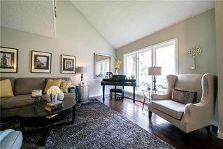 Photo 3: 10 Glenbrook Crescent in Winnipeg: Richmond West Residential for sale (1S)  : MLS®# 202010904