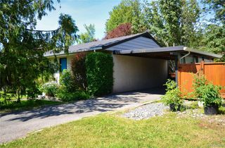 Photo 3: 790 Middleton St in Saanich: SW Gorge House for sale (Saanich West)  : MLS®# 845199