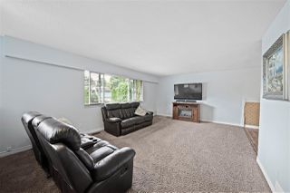 "Photo 3: 21685 123 Avenue in Maple Ridge: West Central House for sale in ""WEST MAPLE RIDGE"" : MLS®# R2485296"