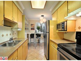 """Photo 7: 312 1442 BLACKWOOD Street: White Rock Condo for sale in """"Blackwood Manor"""" (South Surrey White Rock)  : MLS®# F1103862"""