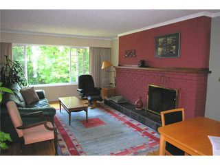 Photo 2: 6261 LOCHDALE Street in Burnaby: Parkcrest House 1/2 Duplex for sale (Burnaby North)  : MLS®# V891364