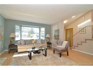 Photo 2: 4261 Moorpark Pl in VICTORIA: SW Northridge Single Family Detached for sale (Saanich West)  : MLS®# 666739