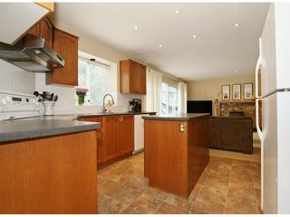 """Photo 9: 12160 NORTHPARK Crescent in Surrey: Panorama Ridge House for sale in """"BOUNDARY PARK"""" : MLS®# F1411315"""