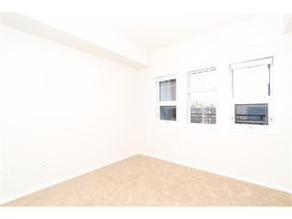 Photo 10: 302 838 19 Avenue SW in Calgary: Lower Mount Royal Condo for sale : MLS®# C4008473