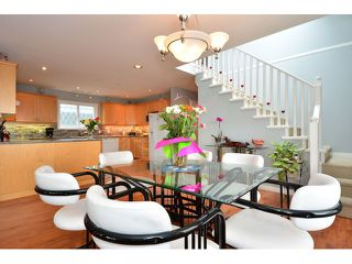 "Photo 5: 952 STEVENS Street: White Rock House for sale in ""White Rock Hillside"" (South Surrey White Rock)  : MLS®# F1440900"