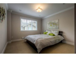 Photo 7: 117 3333 DEWDNEY TRUNK Road in Port Moody: Port Moody Centre Home for sale ()  : MLS®# V1003895