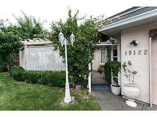 Photo 3: 19122 64 Avenue in Surrey: Cloverdale BC House for sale (Cloverdale)  : MLS®# F1446723