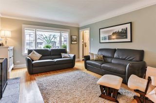 "Photo 3: 829 W 17TH Avenue in Vancouver: Cambie House for sale in ""DOUGLAS PARK"" (Vancouver West)  : MLS®# R2026317"