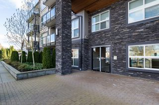 "Photo 27: 407 20630 DOUGLAS Crescent in Langley: Langley City Condo for sale in ""BLU"" : MLS®# R2049078"