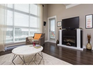 "Photo 5: 407 20630 DOUGLAS Crescent in Langley: Langley City Condo for sale in ""BLU"" : MLS®# R2049078"