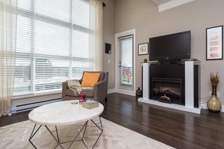 "Photo 6: 407 20630 DOUGLAS Crescent in Langley: Langley City Condo for sale in ""BLU"" : MLS®# R2049078"