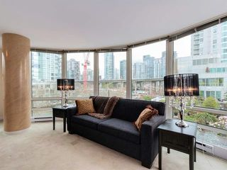 "Photo 9: 808 1500 HORNBY Street in Vancouver: Yaletown Condo for sale in ""888 BEACH"" (Vancouver West)  : MLS®# R2065574"